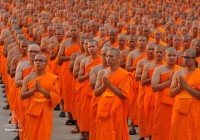 ネパール 仏陀生誕の地で起きた不思議な出来事 その2 〜仏教僧に囲まれました〜